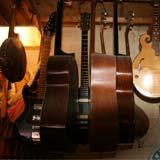 Reproduction d'instruments de musique anciens, comme des luths